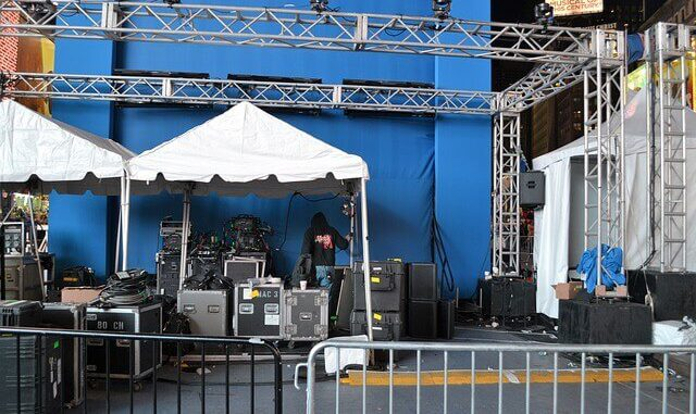 tailgate canopy tents can be used as shelter at a concert.
